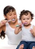 Om tanden schoon te maken. Stock Foto