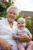 Oma en baby Stock Fotografie