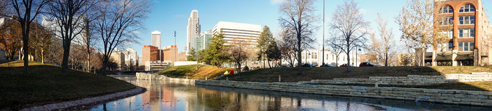 Omaha Nebraska Downtown City Skyline panoramico lungo Immagine Stock
