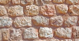 in Oman die alte Wand nahe errichtender Zusammenfassung des Hauses und des Blockes Stockbild