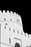 in Oman-Muskatellertraube der alte defensive Fort battlesment Himmel und das St. Stockfotografie