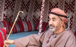 Omani mężczyzna lounging Zdjęcie Royalty Free