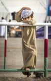 Omansk unge på lopp Royaltyfria Bilder