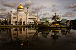 Omar Ali Saifuddin Mosque. Sultan Omar Ali Saifuddin Mosque is a royal Islamic mosque located in Bandar Seri Begawan, the capital of the Sultanate of Brunei stock photo
