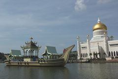 Omar Ali Saifuddin Mosque and royal barge. The Omar Ali Saifuddin Mosque and Royal Barge in Bandar Seri Bengawan, Brunei Stock Image