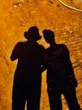 Ombra contro amicizia fotografia stock libera da diritti