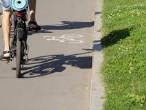 Ombra del ciclista Fotografia Stock Libera da Diritti