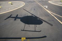 Ombra dell'elicottero. fotografie stock