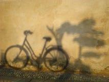 Ombra della bicicletta Immagini Stock
