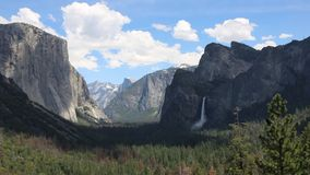 Ombra in valle di Yosemite stock footage