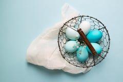 Ombre покрасило пасхальные яйца Стоковые Фотографии RF