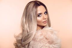Free Ombre Blond Hairstyle. Beauty Fashion Blonde Portrait. Sexy Woman Wears In Pink Fur Coat. Beautiful Girl Model With Makeup, Long Royalty Free Stock Photos - 149863908