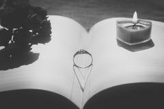Ombre d'anneau et de coeur Photo libre de droits