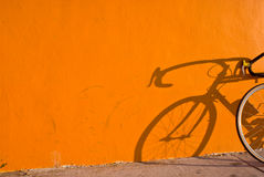 Ombre de bicyclette images stock