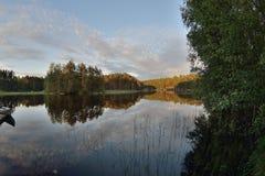 Ombre de lac d'été de la Finlande Images stock