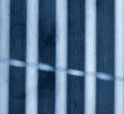 Ombre des abat-jour de fenêtre sur le plancher Image stock