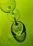 Ombre moulée par la glace de vin sur g Photographie stock