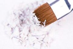 Ombre rotte bianche come la neve con la spazzola professionale Immagini Stock Libere da Diritti