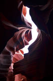 Ombre scure gettate sulle pareti del canyon più basso dell'antilope fotografie stock libere da diritti
