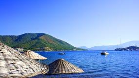 Ombrelli di spiaggia di vimini Fotografia Stock Libera da Diritti