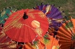 Ombrelli variopinti royalty illustrazione gratis