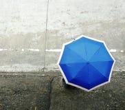 Ombrello blu Immagine Stock Libera da Diritti