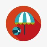 Ombrello di spiaggia con l'icona piana della palla con ombra lunga Immagine Stock