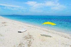 Ombrello di spiaggia e del surf immagini stock