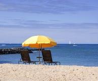 Ombrello di spiaggia giallo Fotografia Stock