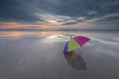 Ombrello e tramonto Fotografia Stock Libera da Diritti