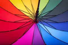 Ombrello multicolore Colori del Rainbow fotografia stock
