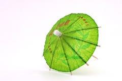 Ombrello verde del cocktail, vista superiore fotografia stock