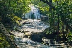Ombres sur hurler les cascades courues en Virginie, Etats-Unis photographie stock
