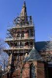 Ombyggande av kyrkan Arkivbild