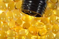 Omega-3 łowią sadło nafciane kapsuły w butelce Obrazy Stock