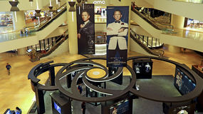 Omega 20 ans d'exposition de James Bond, Hong Kong Images libres de droits