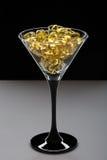 Omega 3 de oliecapsules van de kabeljauwlever creatief Royalty-vrije Stock Foto's