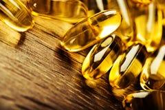 Omega 3 för fiskolja stelnar kapslar Arkivfoton