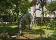 Omeisaurus中间侏罗纪/171-161百万年前 在.eps文件,分别地编组每个元素 库存照片