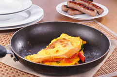 Omelet en worst Royalty-vrije Stock Foto's