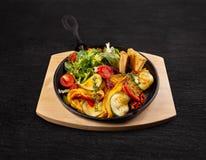 Omelet met veggies royalty-vrije stock fotografie