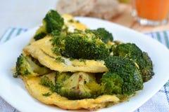Omeleta com brócolos Imagens de Stock Royalty Free