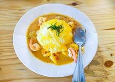 Omeleta com sopa no arroz Fotografia de Stock