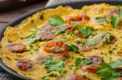 Omeleta dos homens com chouriço Fotografia de Stock Royalty Free