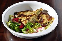 Omeleta e salada Fotos de Stock