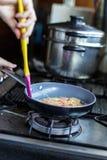 Omelett i panna Royaltyfri Bild