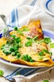 Omelett med gröna ärtor, parmesan och mintkaramellen Royaltyfri Foto