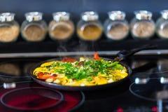 Omelett med grönsaker Royaltyfri Fotografi