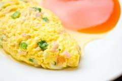 Omelett med skinkaost Arkivbilder