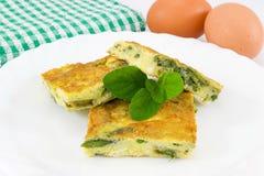 Omelett mit gewürfeltem Spargel Stockfotografie